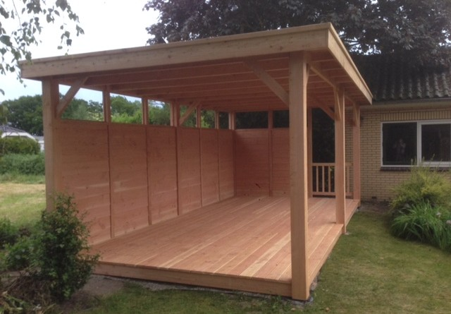 Stevige en duurzame douglas houten veranda hendriksen bouw for Houten veranda