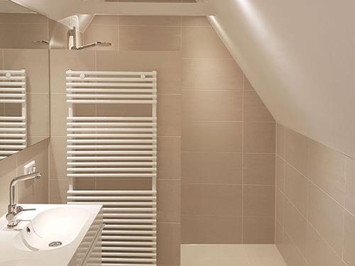 Badkamer op schuurzolder